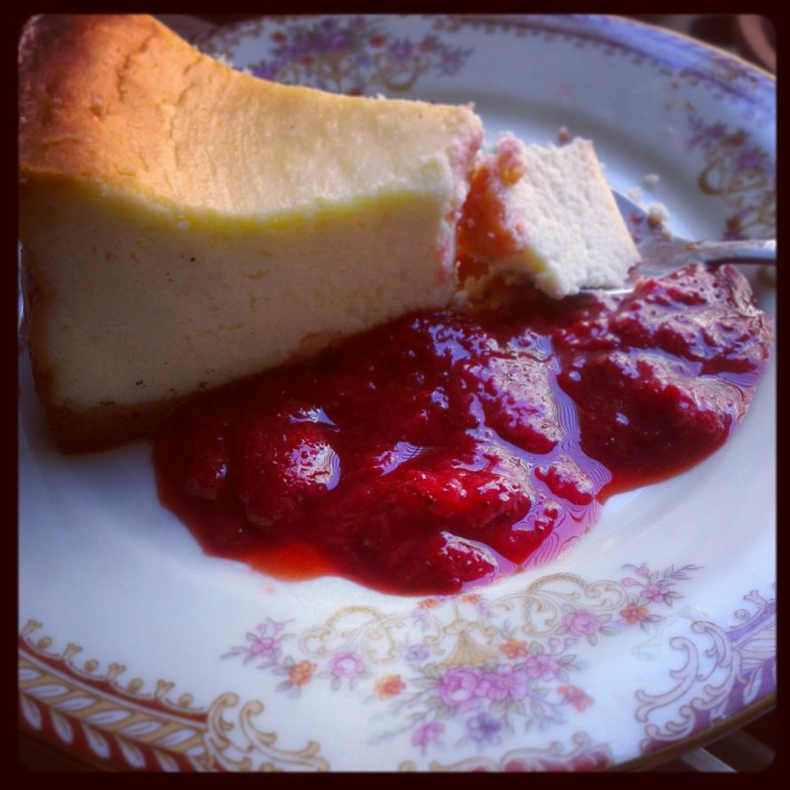 Baked cheesecake with a balsamic strawberry compote